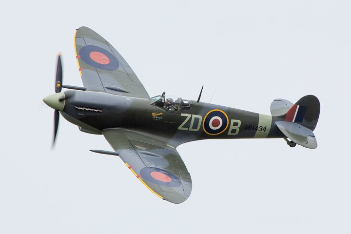 Spitfire MH434